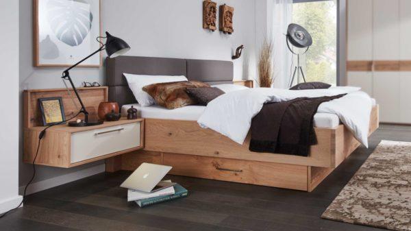 Interliving Schlafzimmer Serie 1002 – Bettgestell mit vielen Extras