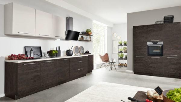 Interliving Küche Serie 3016 mit AEG Einbaugeräten