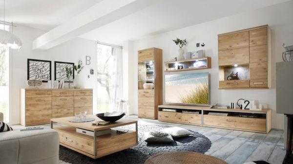 Wohnwandkombination mit Vitrine und Highboard