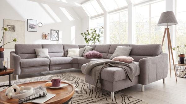 Interliving Sofa Serie 4305 – Ecksofa mit Federkernpolsterung