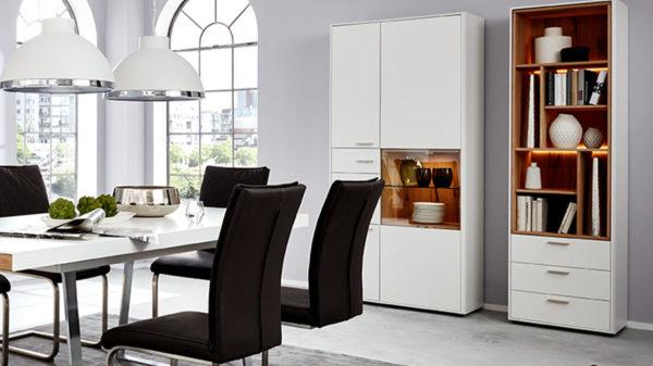 Interliving Wohnzimmer Serie 2102 – Design-Regal mit Schubladen 510469 mit Beleuchtung