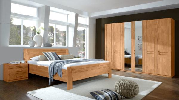 Schlafzimmerkombination mit Kleiderschrank, Doppelbettgestell und Nachttischen